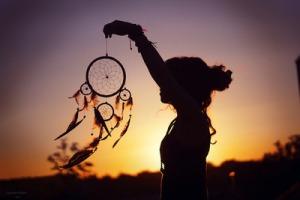 dream-catcher-girl-messy-bun-sunset-Favim.com-614000